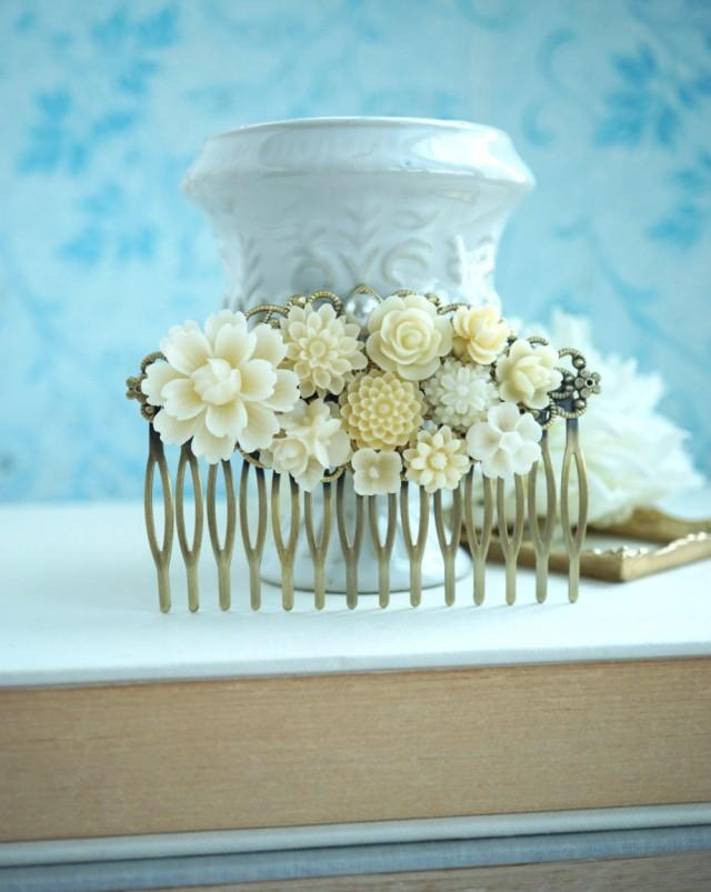 wedding photo - Wedding Comb, Large Ivory Floral Comb, Ivory white Flower Bridal Comb. Rustic Ivory Wedding Bridal Wedding Comb, Large Floral Collage Comb