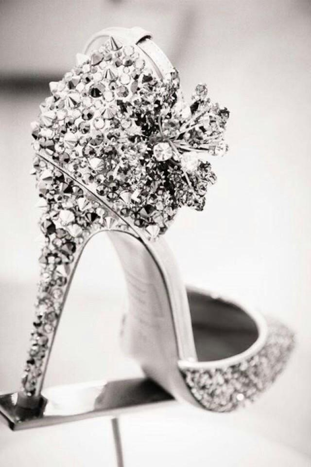 wedding photo - ¡Los Zapatos Para Ir De Boda Más Alucinantes!