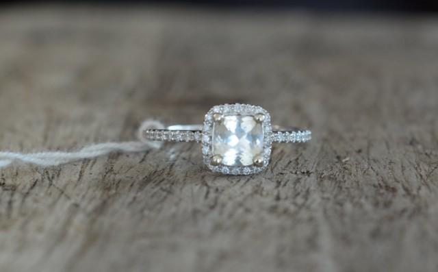 wedding photo - 0.85 carats light yellow sapphire, white gold, diamonds halo engagement ring  yellow001
