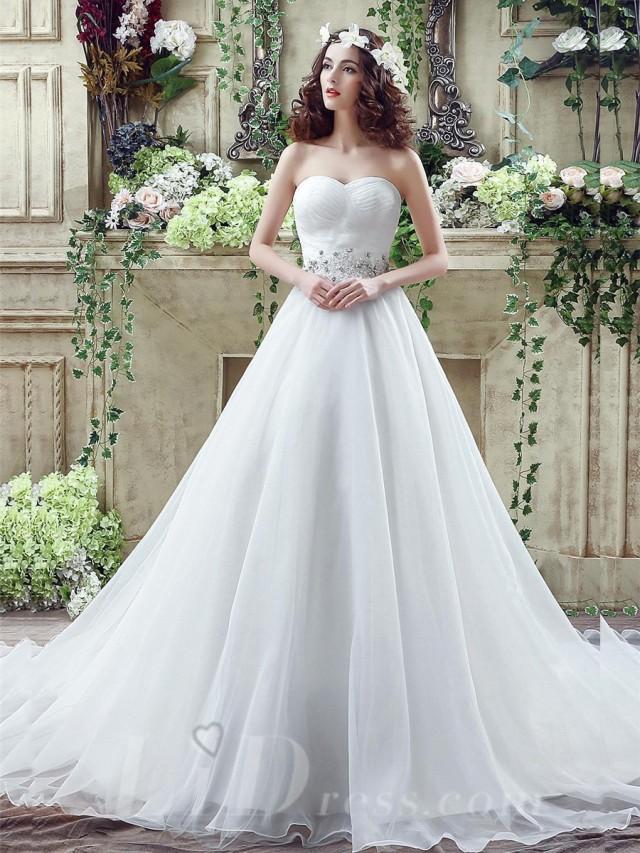 wedding photo - Chic White Sweetheart Beadings 2016 Wedding Dress Court Train Lace-up