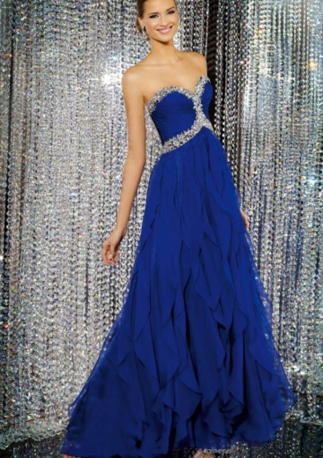 wedding photo - Sweetheart Crystals Zipper Sleeveless Ruffles Blue Chiffon Floor Length