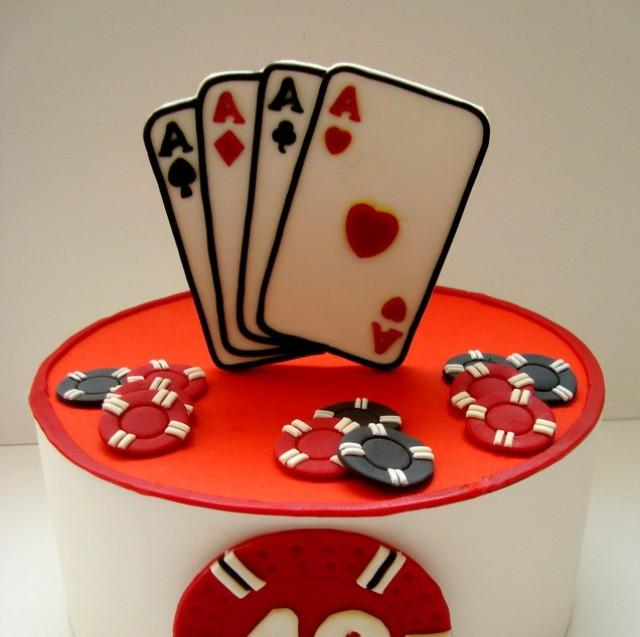 Casino fondant edible cake topper playing cards poker for How to make edible cake decorations at home