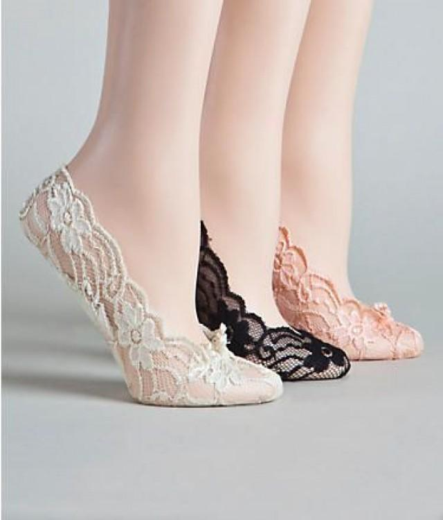 Might Do This I When Wedding Party Wears Flip Flops So Not Cly Love That They Are Cushioned Super Adorable In Lace Comfortable Shoes For A