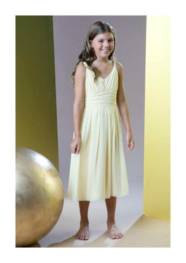 wedding photo - Chiffon V-neck Ruched Sleeveless Tea Length
