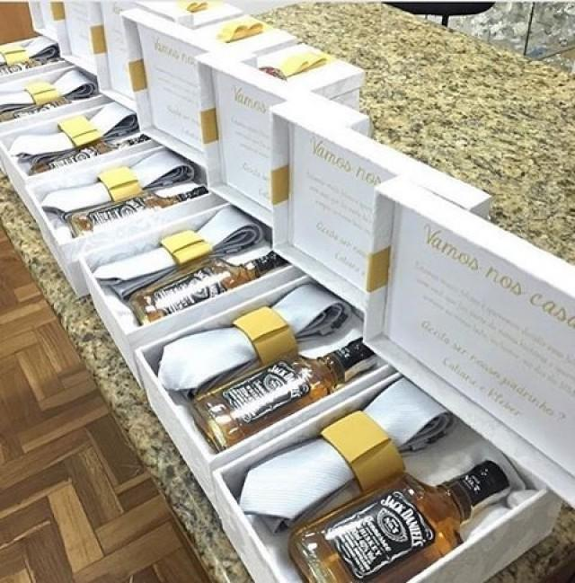 """wedding photo - All Things Weddings On Instagram: """"Nothing Says Thank You For Been Part Of Our Special Day Like A Beautifully Packaged Gift. Groomsmen Gift Boxes. Photo Credit @casamentosetc…"""""""