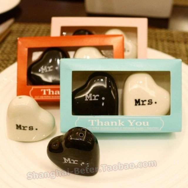 wedding photo - Beter Gifts® Bride and Groom Salt and Pepper Shakers bridesmaids TC033 Bachelorette