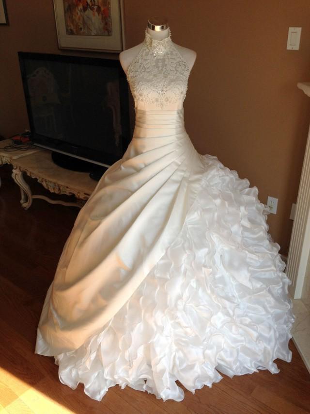 Lace Wedding Dress Pearls Ruffles Princess Halter