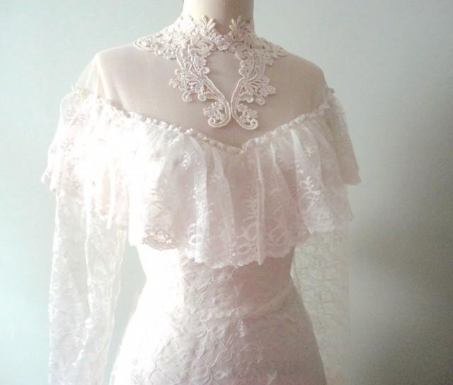 Sale Vintage Wedding Dress Chantilly Lace Classic Wedding Dress