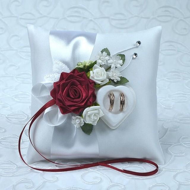 wedding photo - Wedding ring cushion with ivory rings holder