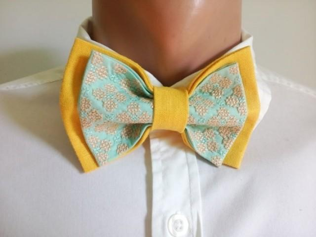 wedding photo - Mens Bow tie Embroidered Yellow Mint Bowtie Floral Design Tie for men Groom Wedding outfit Liens pour les hommes Bräutigam Krawatte Hochzeit