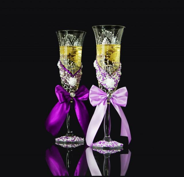 Wedding Present Champagne Glasses : Toasting Flutes Gift For BRIDE And GROOM Wedding Gift Champagne Flutes ...