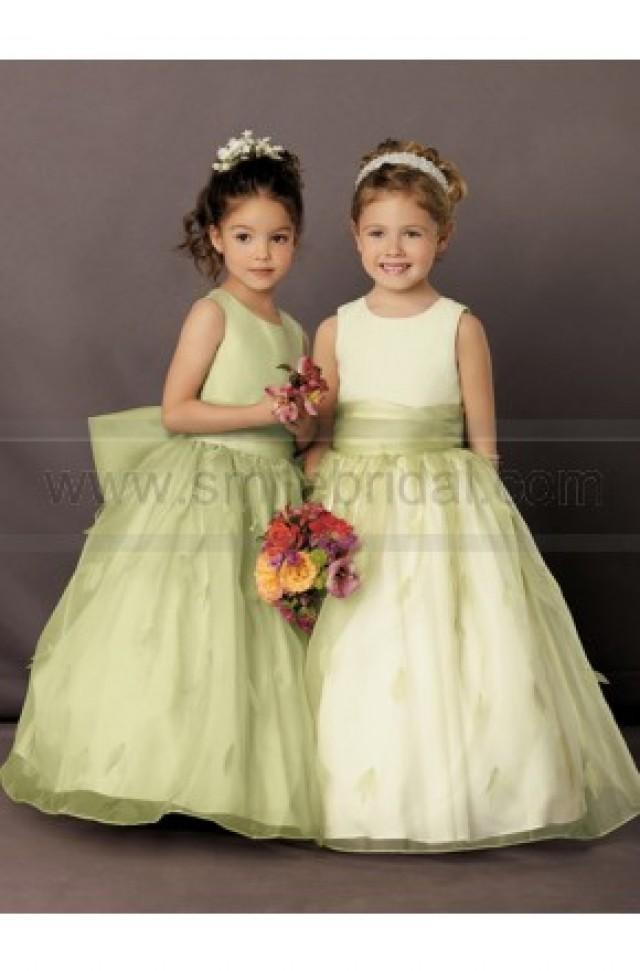 wedding photo - Sweet Beginnings By Jordan Flower Girl Dress Style L507