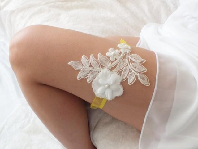 wedding photo - free ship ivory yellow lace garter , bridal garter, floral garter, garter, floral garter, toss garter, wedding garter