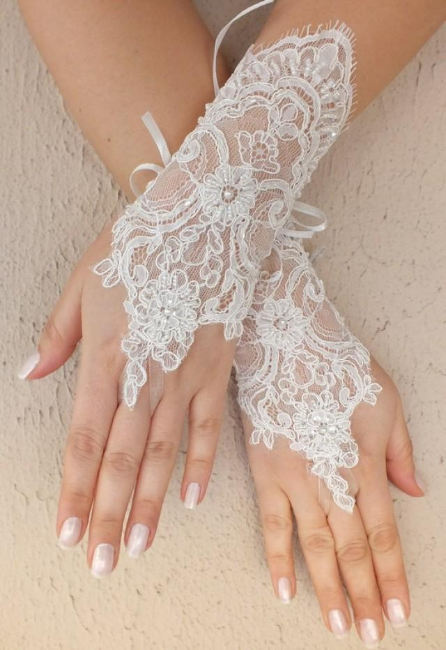 wedding photo - Free ship, Ivory lace Wedding gloves, floral lace bridal gloves, fingerless lace gloves,handmade
