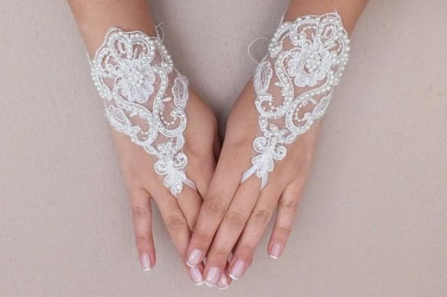 wedding photo - Free ship, Ivory lace Wedding gloves, pearl beads embroidered bridal gloves, fingerless lace gloves,handmade