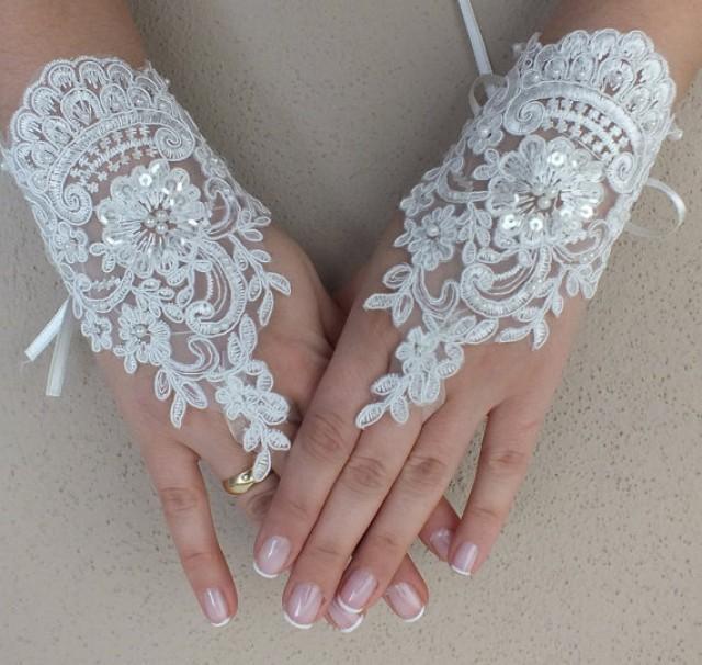 wedding photo - Free ship, Ivory lace Wedding gloves, beads embroidered bridal gloves, fingerless lace gloves,handmade