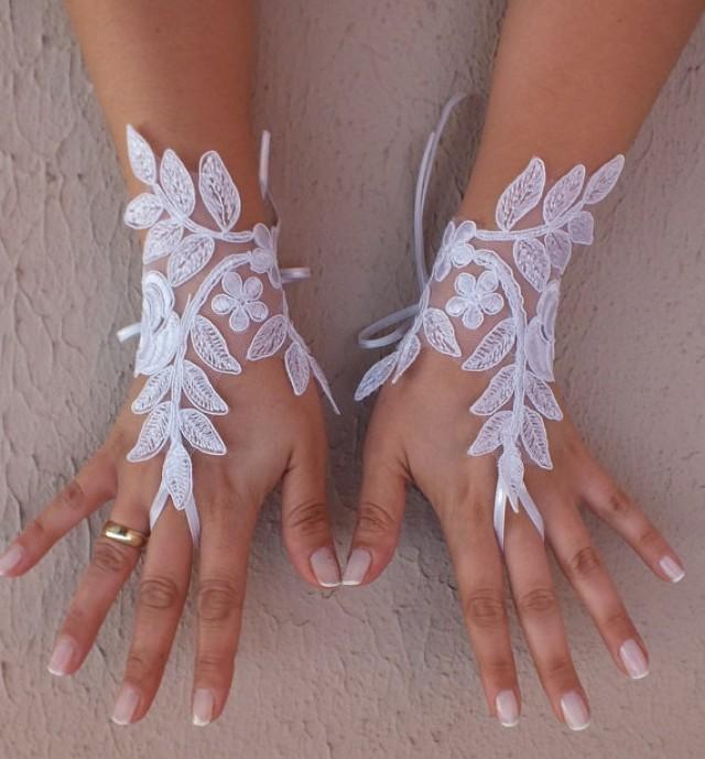 wedding photo - Free ship, white lace Wedding gloves, bridal gloves, fingerless lace gloves,