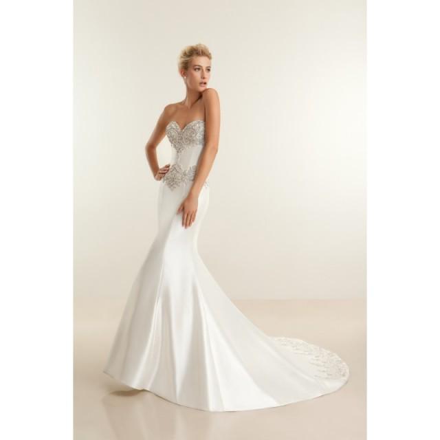 Demetrios platinum dp301 stunning cheap wedding dresses for Cheap wedding dresses sale