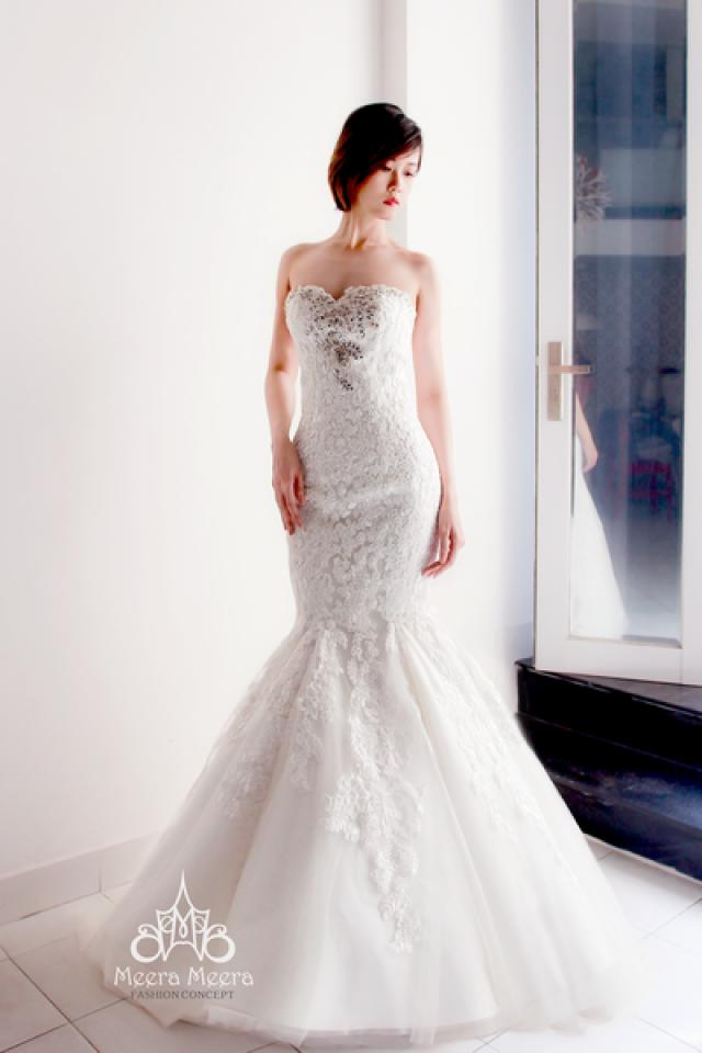 Sweetheart Trumpet Lace Wedding Dress With Crystal Beaded Details From Meera Meera 2598038