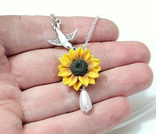 wedding photo - Sunflower Necklace - Sunflower Jewelry - Gifts - Yellow Sunflower Bridesmaid, Sunflower Flower Necklace, Bridal Flowers, Bridesmaid Necklace