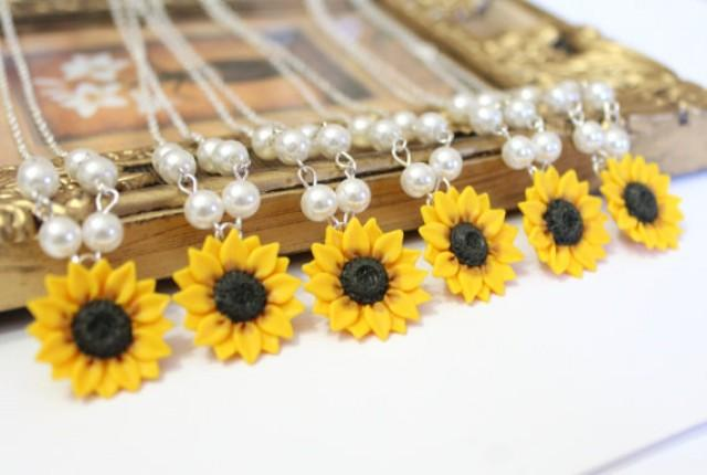 wedding photo - Set of 6 Sunflower Necklace, Sunflower Jewelry, Yellow Sunflower Bridesmaid, Flower and Pearls Necklace, Bridal Flowers, Bridesmaid Necklace