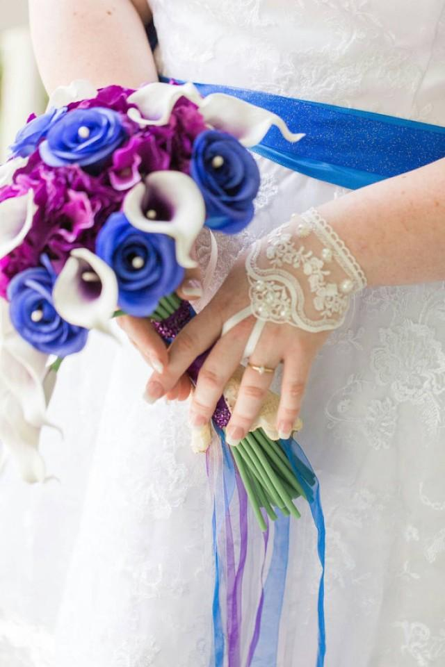 wedding photo - Very elegant Ivory Wedding gloves rhinestone free ship bridal gloves fingerless lace gloves beaded rhinestone