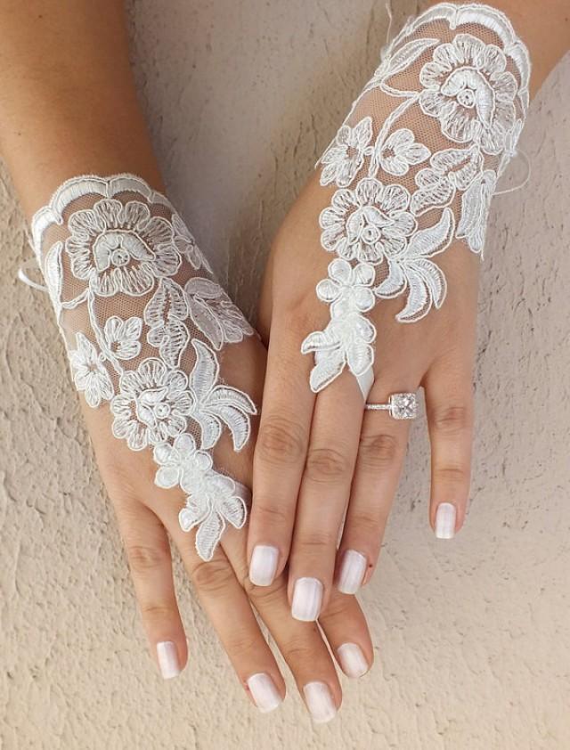 wedding photo - Free ship, Ivory lace Wedding gloves, bridal gloves, fingerless lace gloves, ivory lace gloves