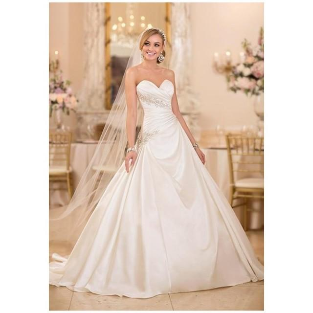 Stella york 5979 wedding dress the knot formal for Wedding dresses the knot