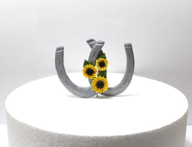 wedding photo - Sunflower horseshoe Cake Topper, Rustic Wedding Cake Topper, Sunflower Wedding, Topper Sunflower Wedding, Wedding Horseshoes