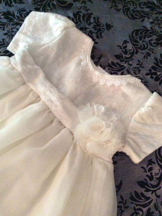 wedding photo - Ivory flowergirl dress/2t/Ivory/vintage/Flowergirl/toddler/wedding/baby girl clothing/girls clothing