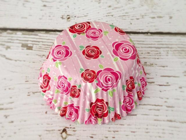 wedding photo - Romantic Red and Pink Rose Floral Cupcake Liners (50)