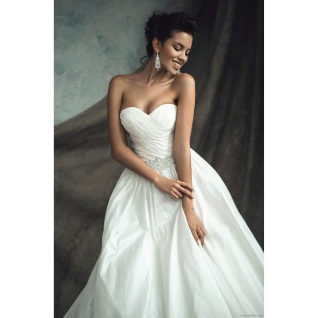 wedding photo - White Ball Gown