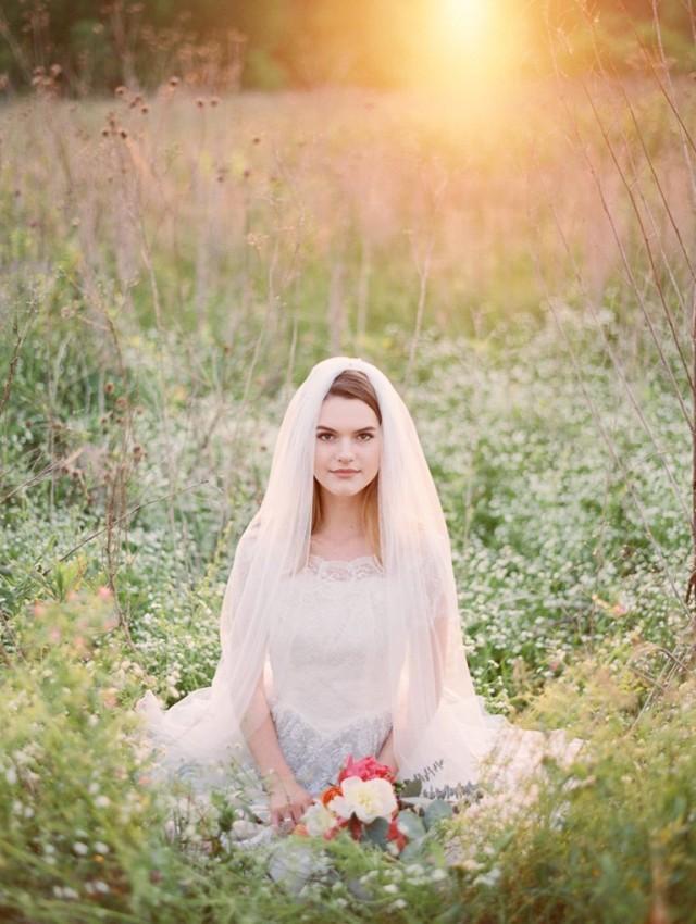 wedding photo - Wedding Veil, Floor length Veil, Single Layer Chapel Veil,  Bridal Veil, cathedral veil, tulle Veil,