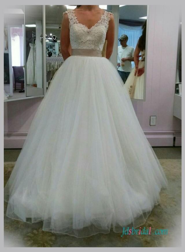 Jeanne weddbook for Tulle bottom wedding dress