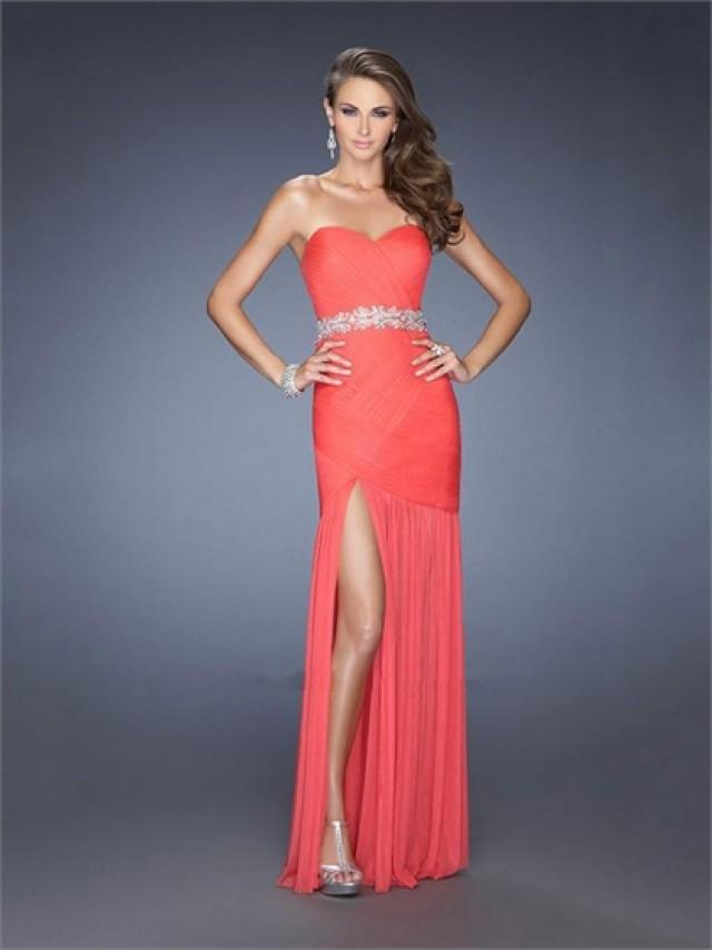 wedding photo - Sheath/Column Strapless Sweetheart Beaded Waist High Slit Prom Dress PD2600
