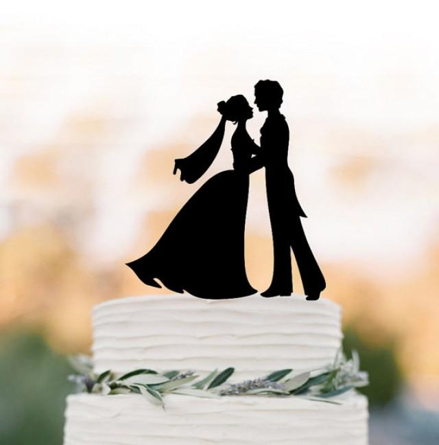 wedding photo - couple Wedding Cake topper topper figurine, Bride and groom silhouette , funny cake decor, bride with veil