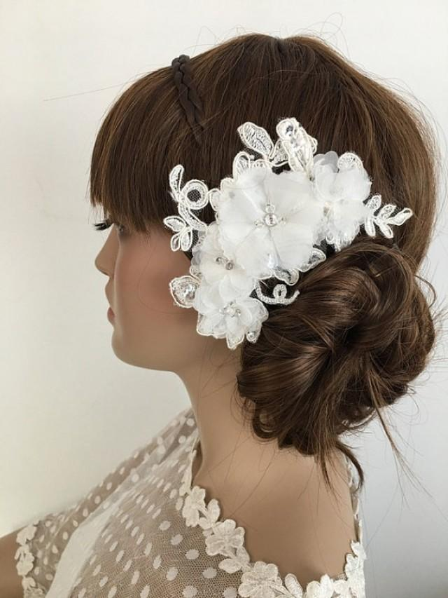 wedding photo - Bridal Lace Hair Comb, ivory Floral Wedding Headpiece, Bridal Lace Fascinator, lace Comb, Lace hair, Wedding Hair, Bridal Hair, Accessories