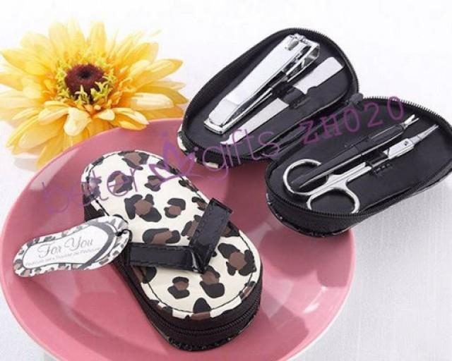 "wedding photo - Beter Gifts® ""Cheetah Chic"" Flip-Flop Pedicure Kit BETER-ZH020"
