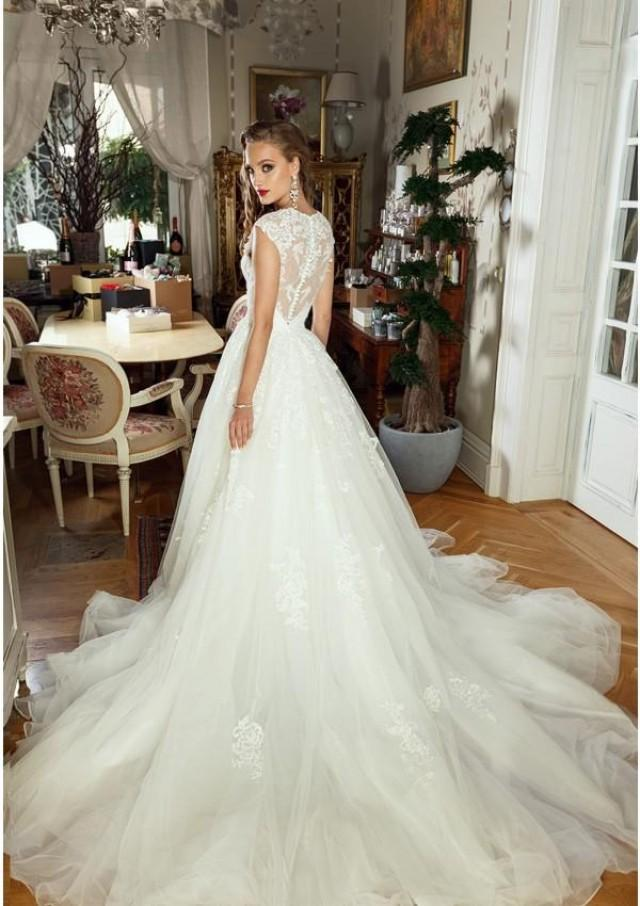 wedding photo - Beading Applique Strap Sweetheart Wedding Dresses Lace Applique Tulle Organza Bridal Gown A-Line Illusion Backless Wedding Dress 2017 New Lace Luxury Illusion Online with $165.72/Piece on Hjklp88's Store