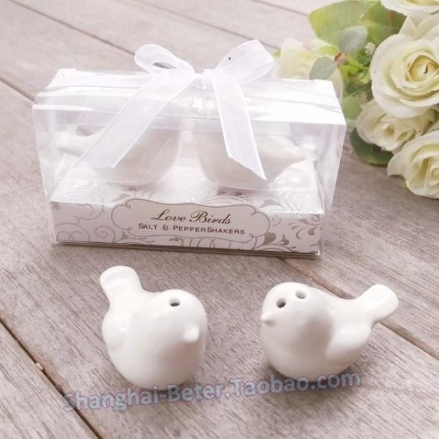 wedding photo - Beter Gifts®  practical kitchen favors BETER-TC022 Salt and Pepper Shakers