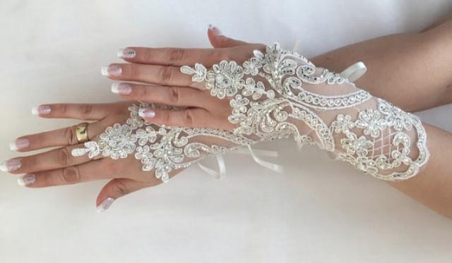 wedding photo - FREE SHIP Ivory Wedding gloves hand emroidered bridal gloves lace gloves fingerless gloves french lace gloves