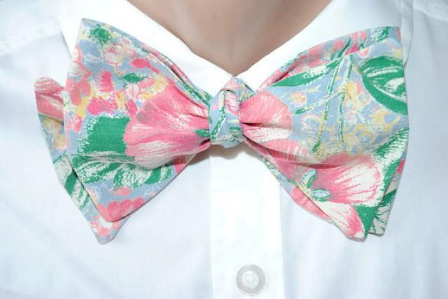 wedding photo - Green floral bow tie Pink gift for men's outfit Boyfriend birthday tie For father day gift Party coworker's necktie Grandparent gift ghukol