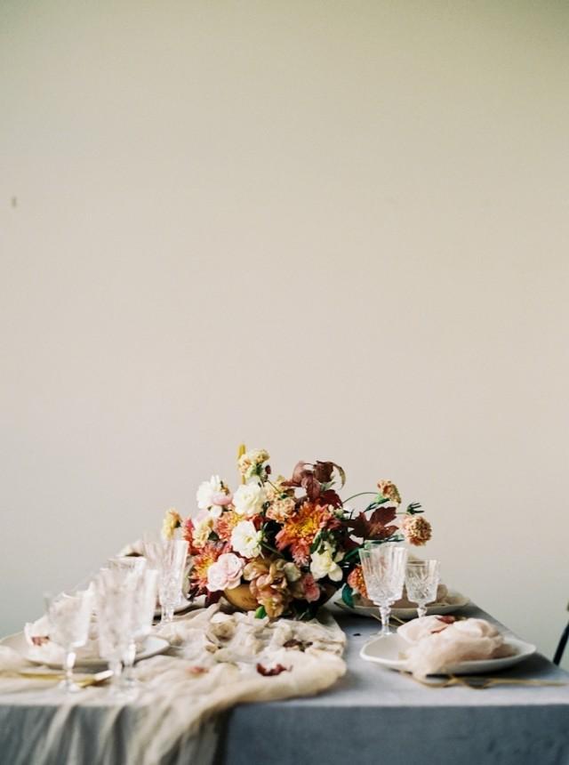 Vibrant Autumn Wedding Shoot With Lots Of Ocher - Weddingomania