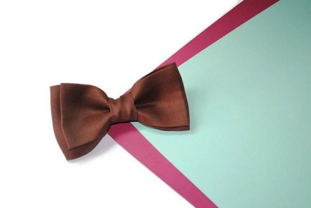 wedding photo - Brown Wedding bow tie Men's gift Dark brown linen bow tie Dad gift Groomsmen gifts ideas Godson gift Brown pocket square Gifts for brother
