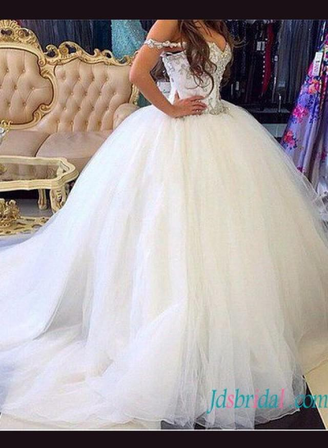 wedding photo - Beautiful full princess tulle ball gown wedding dress