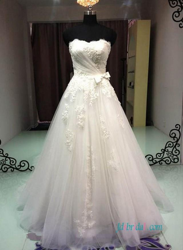 wedding photo - Classic strapless tulle a line wedding dresses