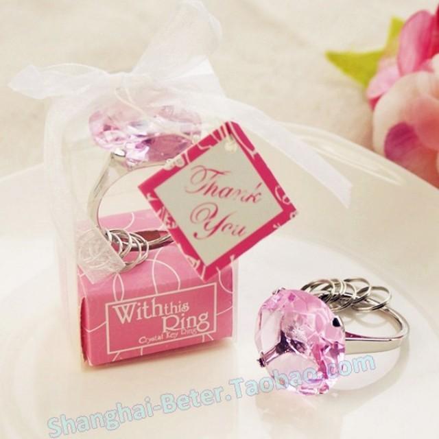 wedding photo - Beter Gifts®  粉色鑽戒鑰匙扣,歐美婚慶用品,七夕情人節禮物WJ038/B婚禮回贈禮