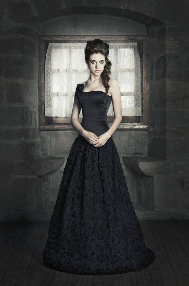 Discounted price fantasy wedding gown tulle long skirt for Black tulle wedding dress
