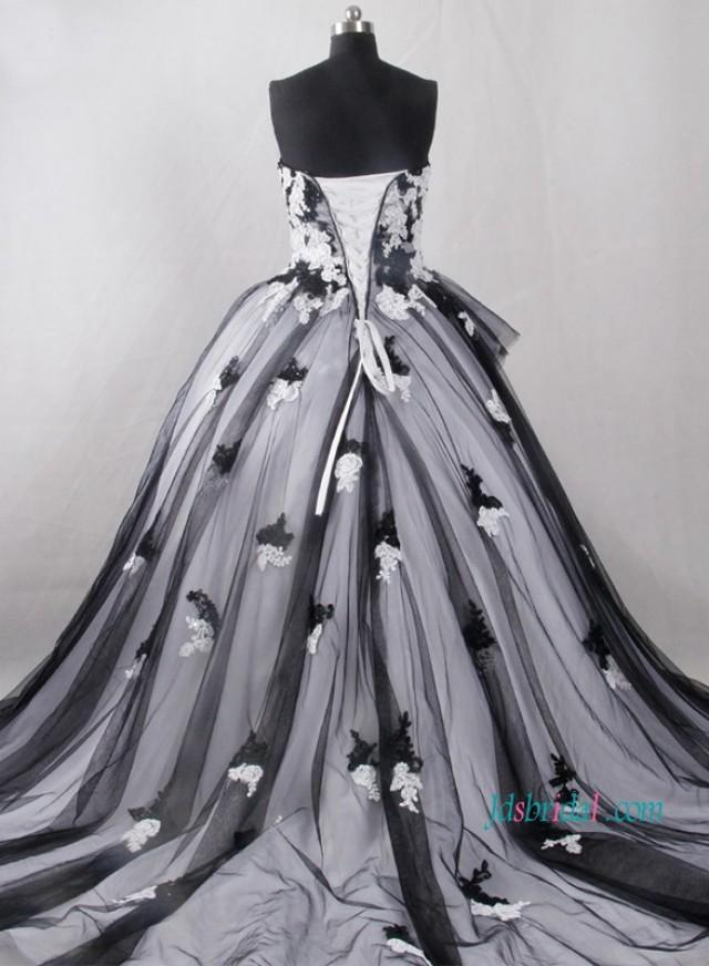 wedding photo - Vintage inspired black and white ball gown wedding dress