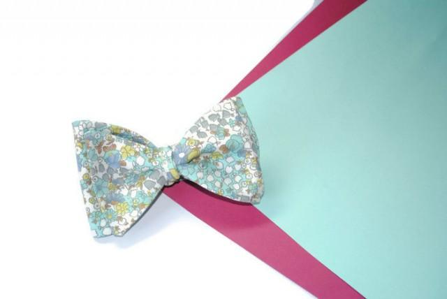 wedding photo - Gifts for him Engagement gift Mint green floral bow tie Woodland wedding Anniversary gifts Groomsmen gifts ideas Gift for him Fiance gift - $10.07 USD